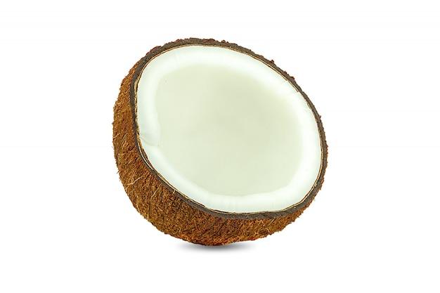 Pedaços de coco isolados no branco Foto Premium