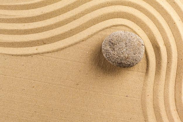 Pedra de meditação zen jardim Foto Premium