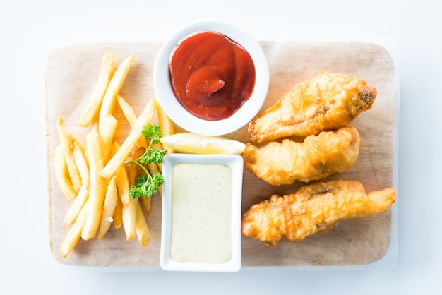 Peixe e batata frita Foto gratuita