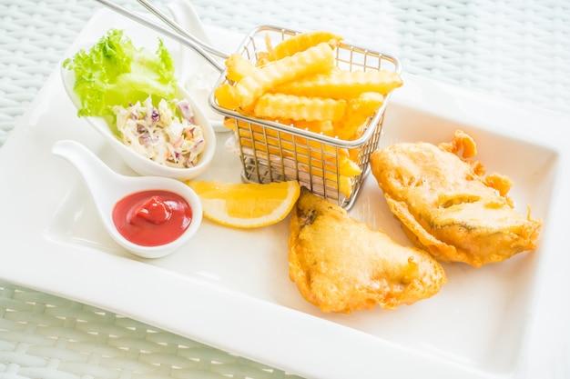 Peixe e chip Foto gratuita