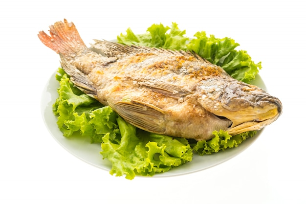 Peixe fresco grelhado Foto gratuita
