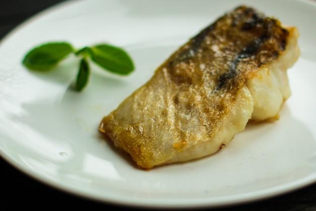 Peixe, frutos do mar fritos Foto Premium
