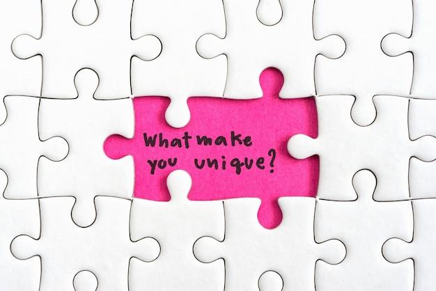 Pense conceito de negócio de diferença Foto gratuita