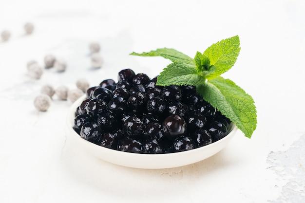 Pérolas negras de tapioca Foto Premium
