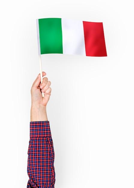 Pessoa, waving, bandeira, italiano, república Foto gratuita