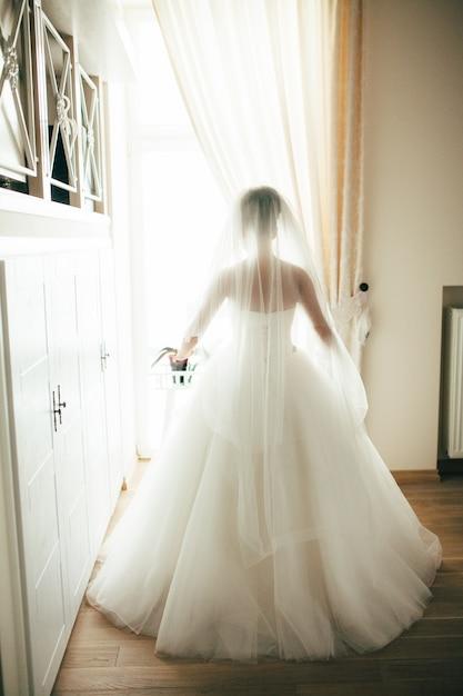 Pessoas mulher ficar a sós casar Foto Premium