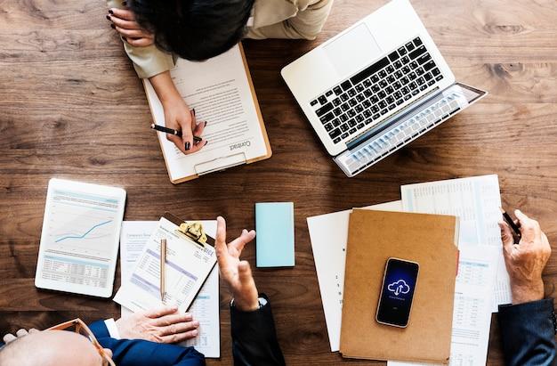 Pessoas negócio, tendo, um, reunião Foto gratuita