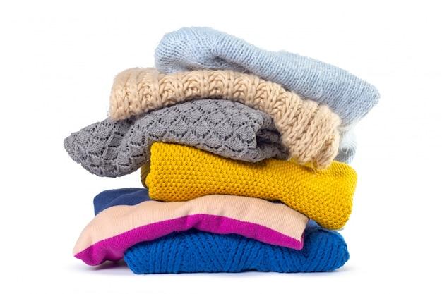 Pilha de várias camisolas Foto Premium