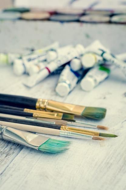 Pincéis de pintura do artista Foto Premium
