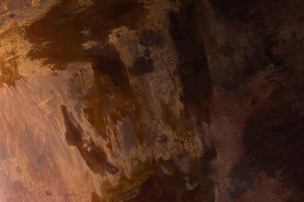 Pintura descascada em um velho piso de madeira Foto gratuita