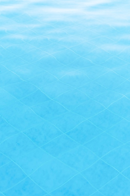 Piscina azul texturizada Foto gratuita