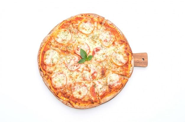 Pizza de tomate isolado no fundo branco Foto Premium