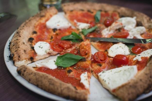 Pizza saudável Foto gratuita