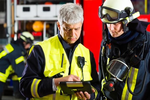Planejamento de implantação de bombeiros Foto Premium