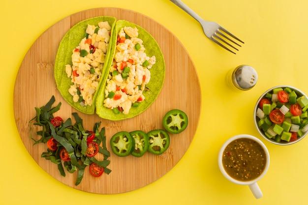 Plano colocar delicioso vegetariano taco Foto gratuita