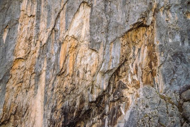 Plano de fundo de close-up de parede de montanha rochosa Foto Premium