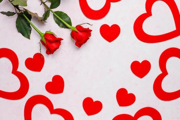 Plano de fundo dia dos namorados, cartão de dia dos namorados com rosas Foto gratuita