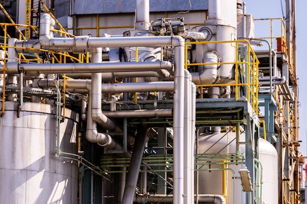 Planta de fábrica de óleo de pipeline química Foto Premium
