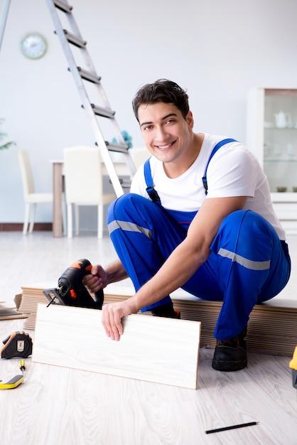 Pode colocar piso laminado em casa Foto Premium