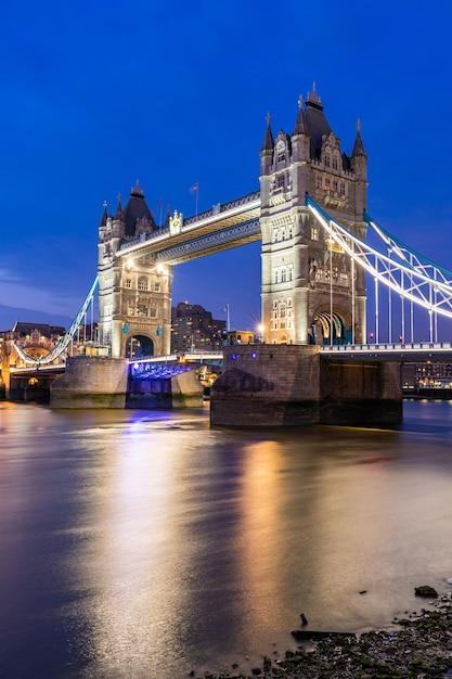 Ponte da torre de londres Foto Premium
