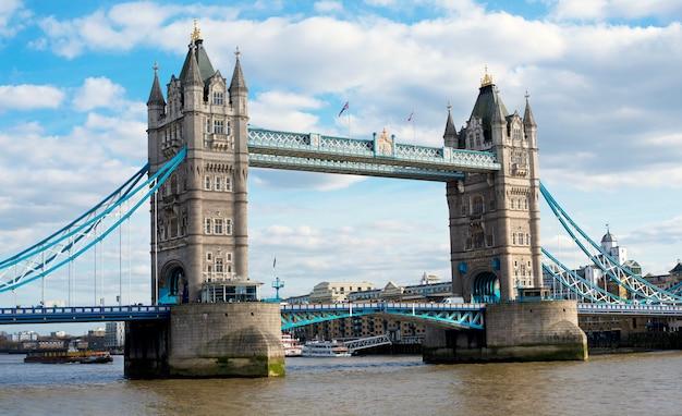Ponte da torre Foto Premium