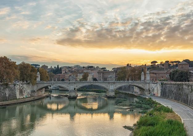 Ponte de vittorio emmanuel ii e basílica de são pedro Foto Premium