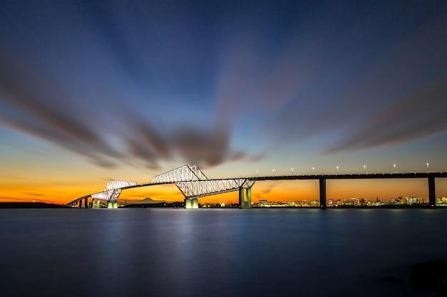 Ponte do portão de tóquio Foto Premium