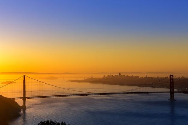 Ponte dourada portão, são francisco, amanhecer, califórnia Foto Premium