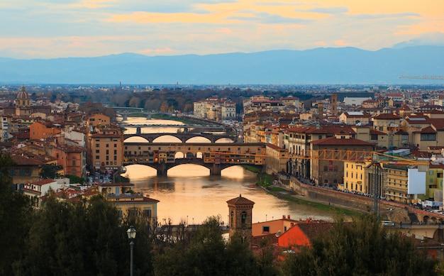 Ponte vecchio, florença Foto Premium