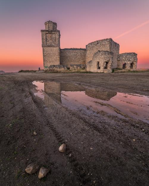 Pôr do sol no castelo Foto Premium