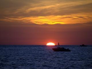 Pôr do sol no lago michigan, véspera Foto gratuita