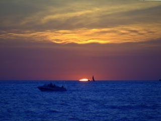 Pôr do sol no lago michigan Foto gratuita
