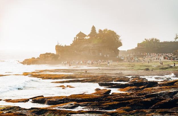 Pôr do sol, sobre, hindu, templo Foto Premium