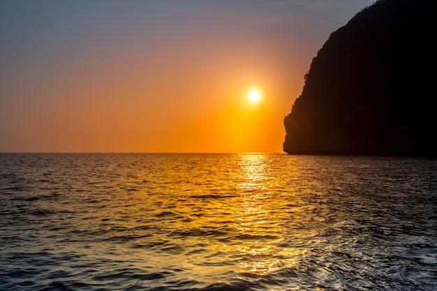 Pôr do sol tropical Foto Premium