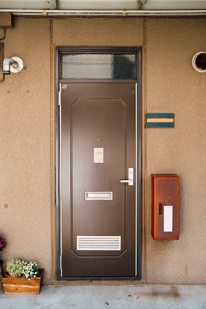 Porta em estilo japonês de apartamento Foto gratuita