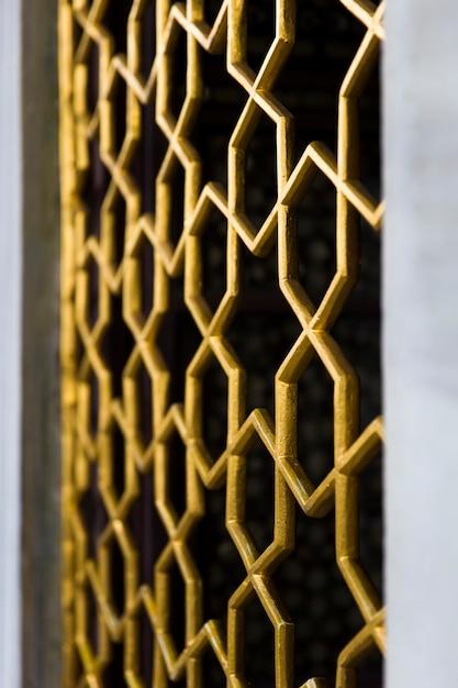 Porta oriental clássica, arte de padrão de caligrafia no palácio topkapi, istambul Foto Premium
