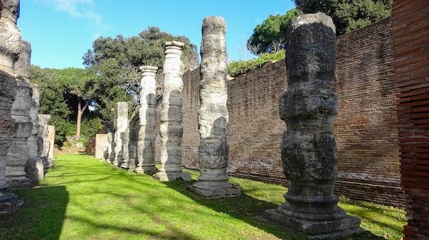 Portus era um grande porto artificial da roma antiga. Foto Premium