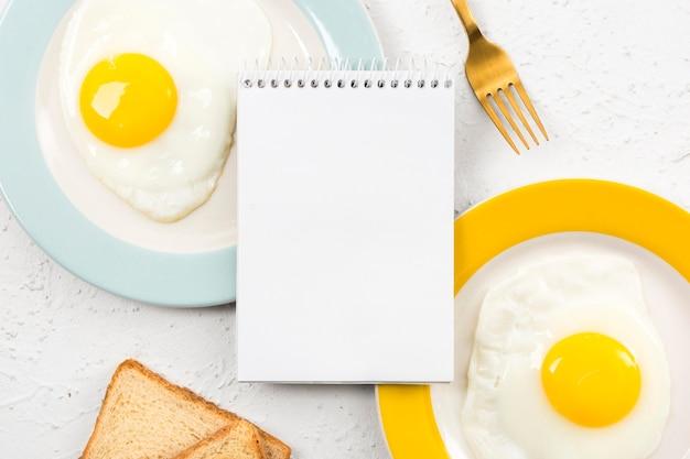 Postura plana do conceito de café da manhã com espaço de cópia Foto gratuita