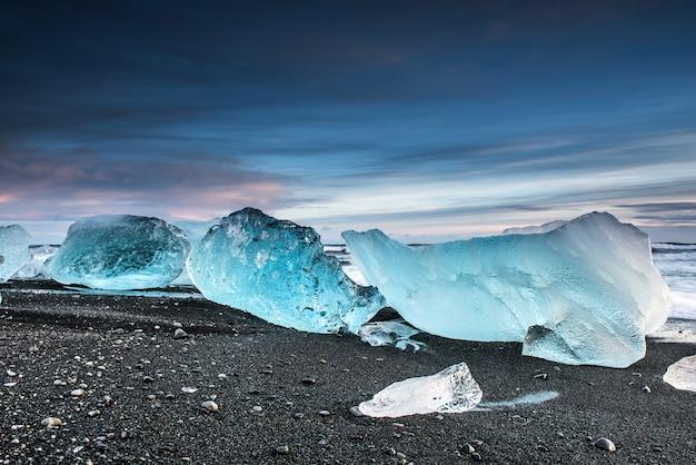 Praia de diamante na islândia Foto Premium