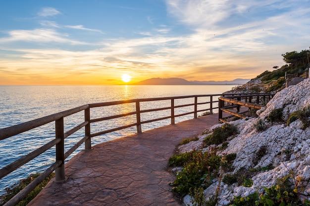 Praia de málaga, promenade. costa de cala del moral. Foto Premium