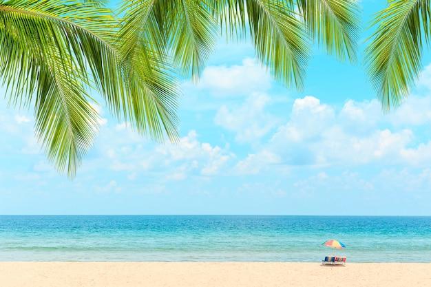 Praia de phuket, tailândia Foto Premium