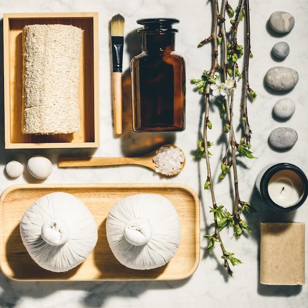 Produtos de cuidados da pele natural plana leigos. zero desperdício, banheiro ecológico e acessórios de spa Foto Premium