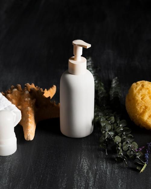 Produtos de higiene coporais de alto ângulo Foto gratuita