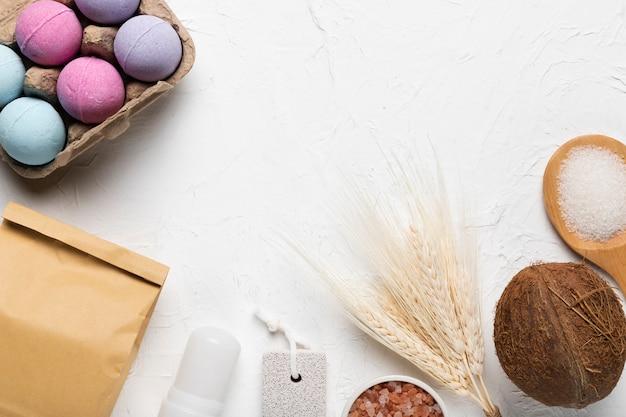 Produtos de higiene do spa para cuidados com a pele Foto gratuita