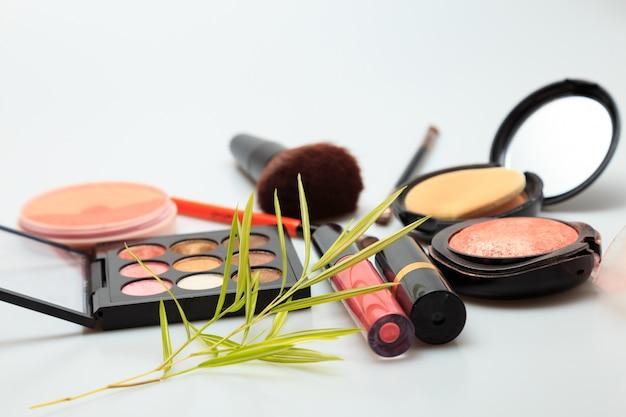 Produtos de maquiagem branco Foto Premium