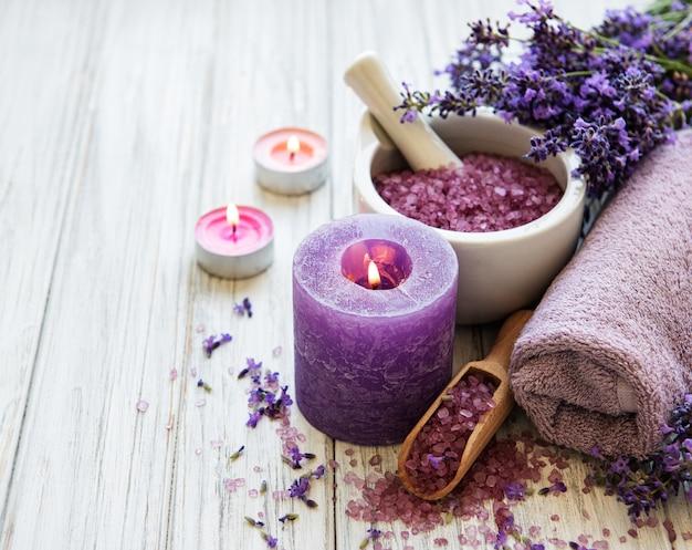 Produtos de spa de lavanda Foto Premium