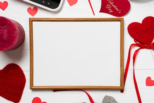Quadro de close-up e coisas do dia dos namorados Foto gratuita