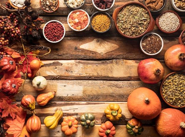 Quadro de comida de outono circular de vista superior Foto gratuita