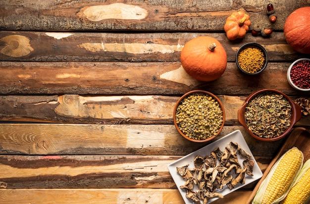 Quadro de comida de outono com cópia-espaço Foto gratuita