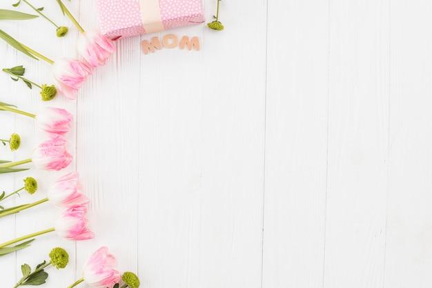 Quadro de dia das mães com tulipas Foto gratuita